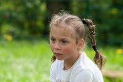 De emoties van een mooi expressief vijf-jaar-oud meisje Royalty-vrije Stock Fotografie