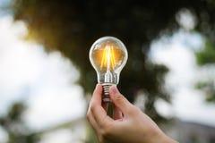 de energie van de ideebesparing en het concept van boekhoudingsfinanciën royalty-vrije stock fotografie