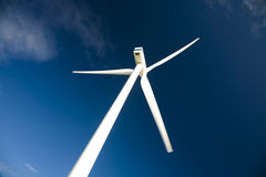 De energieturbine van de wind stock afbeeldingen