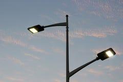 De energy-saving straatlantaarns door leiden worden gemaakt die Stock Fotografie
