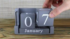 7 de enero, calendario del cubo almacen de video