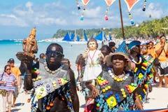 10 de enero de 2016 Boracay, Filipinas Festival ATI-Atihan U Fotos de archivo libres de regalías