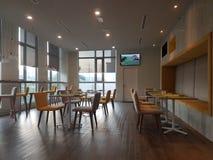 14 de enero de 2017, Kuala Lumpur El inlook del restaurante en Ibis diseña el hotel Sri Damansara Fotos de archivo libres de regalías
