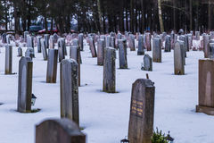 22 de enero de 2017: Piedras sepulcrales en el cementerio i de Skogskyrkogarden Foto de archivo