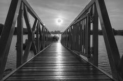 12 DE ENERO DE 2017 PUESTA DEL SOL BLANCO Y NEGRO Imagen de archivo libre de regalías