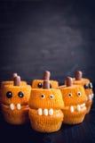 De enge cakes van de pompoenkop Royalty-vrije Stock Foto