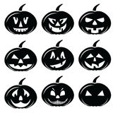 De enge die Halloween-pictogrammen van pompoenenkarakters in zwart-wit worden geplaatst Royalty-vrije Stock Foto's