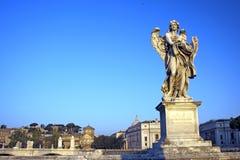 De engel met Kledingstuk en dobbelt, Rome, Italië Stock Afbeelding