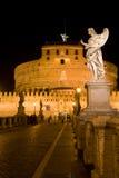 De Engel van Heilige van het kasteel in Rome bij nacht, Italië Royalty-vrije Stock Foto's