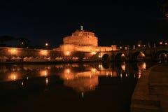 De Engel van Heilige van het kasteel 's nachts, Rome, Italië Royalty-vrije Stock Afbeelding