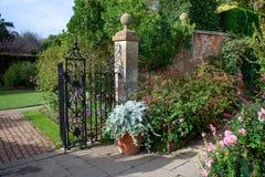 De Engelse tuin van het land stock foto's