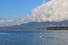 De enige Engelse Baai van Kayaker en van Vancouver ` s Royalty-vrije Stock Foto's