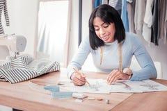 De enthousiaste illustraties van de ontwerpertekening voor klereninzameling stock afbeeldingen