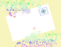 De envelop van de bloem met zegel Stock Afbeeldingen