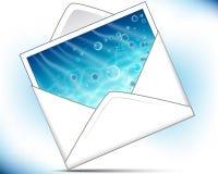 De envelop van de post met overzeese achtergrondprentbriefkaar Stock Foto's