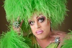 De ernstige Koningin van de Belemmering in Groen Stock Foto