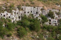 De ernstige rots van necropoolpantalica Stock Foto's