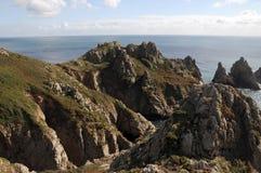 De erwt stapelt rotsen op Guernsey Royalty-vrije Stock Afbeelding