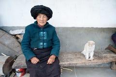 De etnische minderheden van China, de oude dame van Yi Royalty-vrije Stock Foto