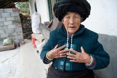 De etnische minderheden van China, de oude dame van Yi Royalty-vrije Stock Fotografie