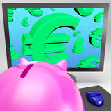 De euro Symbolen op Monitor toont de Europese Monetaire Groei Stock Afbeeldingen