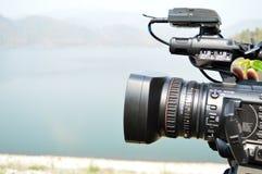 De exploitant van de videocamera het werken Royalty-vrije Stock Foto's