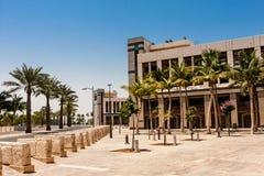 De Exploratieweg in de Koning Abdullah University van Wetenschap en Technologiecampus, Thuwal, Saudi-Arabië stock afbeeldingen