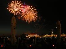 De explosies van Nice op het vuurwerk festval in Scheve Stock Foto's