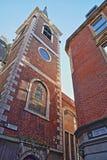 De externe voorgevel van St Mary Abchurch in het financiële district van de Stad van Londen Stock Fotografie