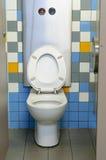 De färgrika offentliga toaletterna Royaltyfria Foton