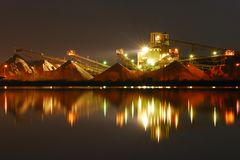 De fabriek van de nacht Royalty-vrije Stock Afbeelding
