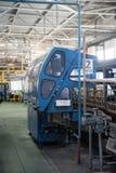 De fabriek van de glasfles in Tyumen Rusland royalty-vrije stock afbeeldingen
