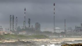 De fabriek van het chemische product en van de olie Stock Foto's