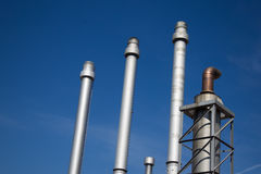 De fabriek van het chemische product en van de olie stock afbeelding