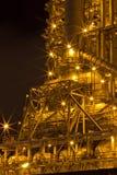 De fabrieken werken bij nacht. stock fotografie