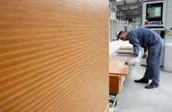 De fabrieksarbeiders van het meubilair Stock Foto