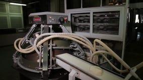 De fabrieksproductie van het brood stock videobeelden