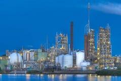 De faciliteit van de productie op rivierbank Stock Afbeelding