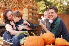 De Familie van de herfst Stock Foto's