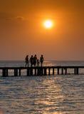 De familie van de zonsondergang Royalty-vrije Stock Foto