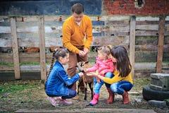 De Familie van het landbouwbedrijf Royalty-vrije Stock Afbeeldingen