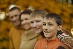 De familie van Nice het ontspannen Stock Foto's