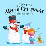 De familie van sneeuwman in zwarte hoed en handschoenen, rode sjaal bond rond hals, neus van de wortel, meisje het zingen vakanti Royalty-vrije Stock Afbeelding