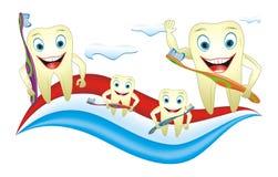 De Familie van tanden met Tandenborstel Stock Foto