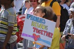De families behoren samen Maart stock afbeelding