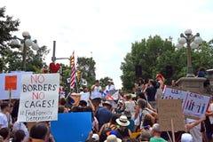 De families behoren samen protest in Ottawa, Canada stock foto