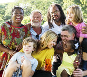 De famille de pique-nique concept de relaxation d'unité dehors image libre de droits