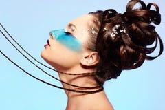 De fantasie blauwe lichaam-kunst van het meisje stock afbeeldingen