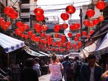 11 de febrero de 2018 el viajero toma la foto china de las linternas del ` s del Año Nuevo en el Chinatown Bangkok Imágenes de archivo libres de regalías