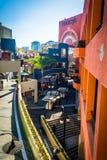 17 DE FEBRERO - SAN DIEGO: El Westfield Horton Plaza en febrero Foto de archivo libre de regalías